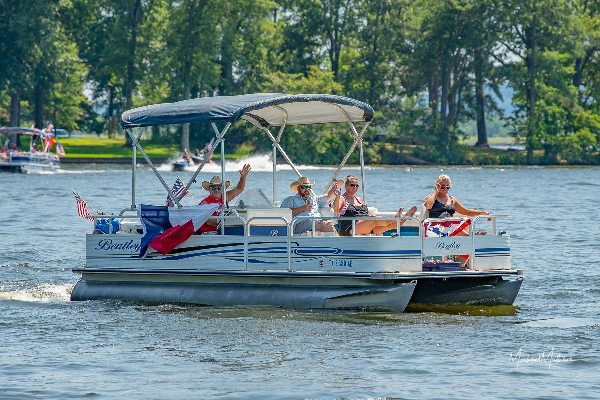 LSLake-BoatParade070421-22